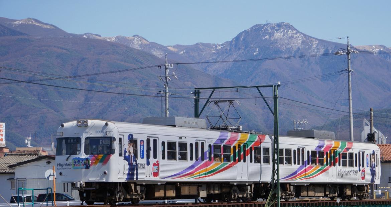 """ท่องเที่ยวไปในมัตสึโมโต้กับ """"เอ็นโด นากิสะ"""" มาสคอตสุดคิ้วท์ของรถไฟสายคามิโคจิ"""