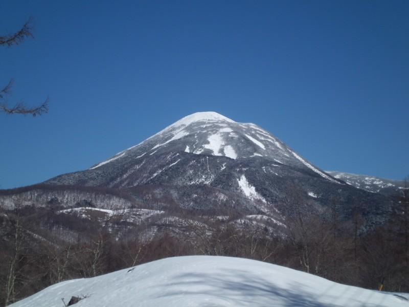 <p>蓼科山も雪化粧</p>